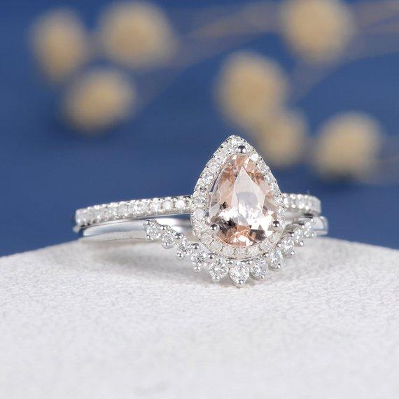18k Rose Gold Engagement Ring Pear Cut Morganite Ring Chevron V Shaped Unique Diamond Bridal Set Anniversary Ring Wedding Band Women 2pcs