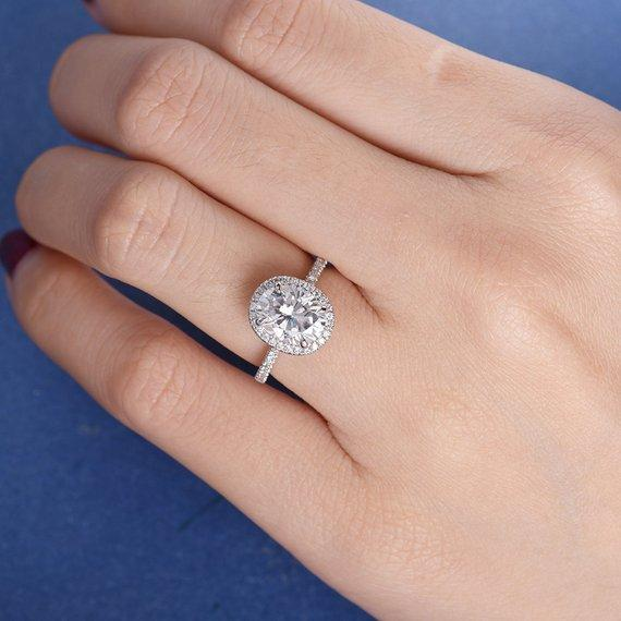 18K White Gold Engagement Ring Oval Cut 7x9mm Moissanite Ring Diamond Halo Antique Women Bridal Wedding Stacking Antique Retro Claw Prong Gift