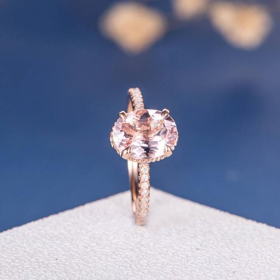 18K Gold Art Deco Oval Cut Pink Morganite Ring