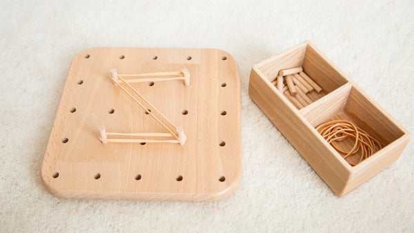 PEG & RUBBER BAND BOARD + BOX