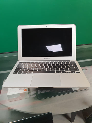 "Apple MacBook Air 11"" 1.6GHz - 4GB Ram - 128GB SSD"