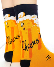 Load image into Gallery viewer, Cheers! Print Socks