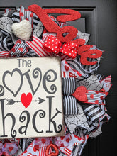 Load image into Gallery viewer, Love Shack Wreath, Valentine Love Wreath, Valentine Heart Wreath, Valentine Day Wreath