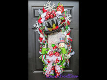 Load and play video in Gallery viewer, Jingle All The Way Wreath - Winter Snowflake Wreath - Large Winter Wreath - Snowman Door Hanger