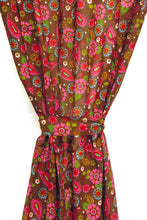 "Load image into Gallery viewer, Pink Paisley Cotton Printed Curtain 44"" X 88"""