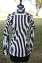 Load image into Gallery viewer, Black Stripe (Hidden Zipper) Button Up
