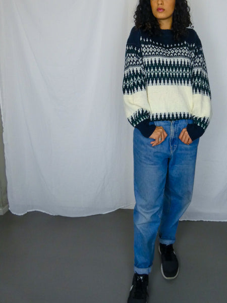Vintage Cosy Navy and White Patterned Sweater