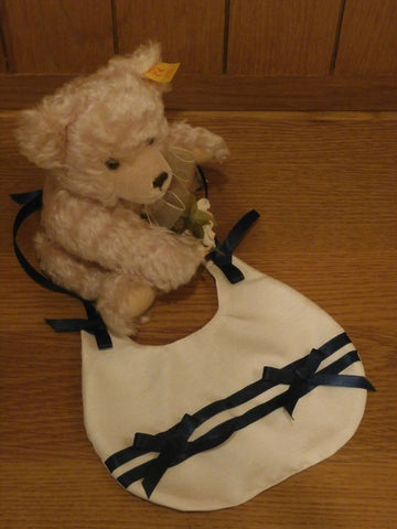 The William christening bib.