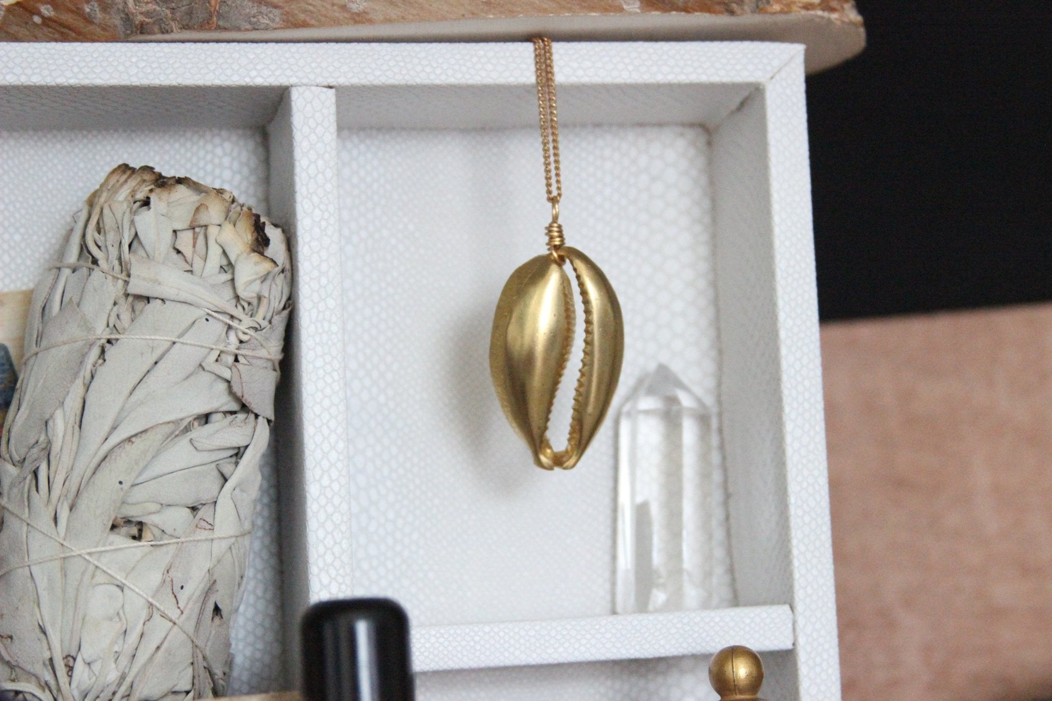 Ouro - Large Cowrie Shell Brass Necklace - We Love Brass