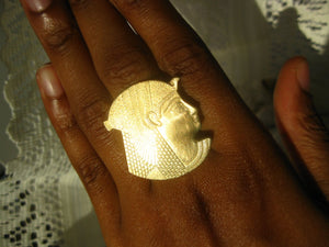 The Isis Ring - Golden Treasure Box