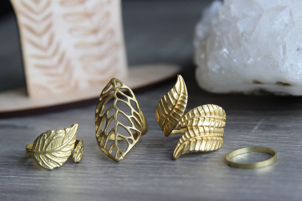 Vines Brass Rings Jewelry Set - We Love Brass