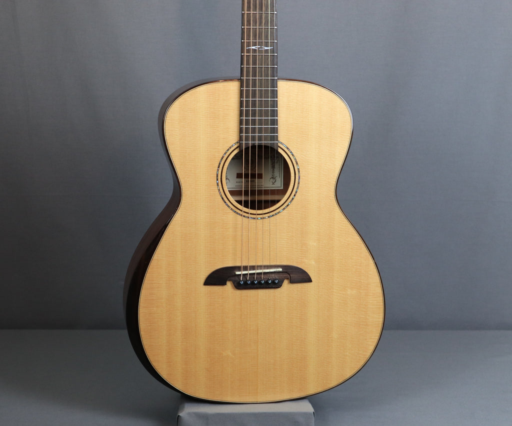 Alvarez AG60AR Grand Auditorium Acoustic Guitar, Natural Gloss Finish