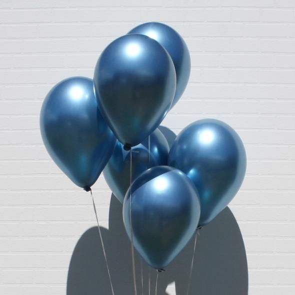 Metallic Balloons - Blue-Description: Turn your party into an event to remember with Lemonade's Metallic Balloons!Glam up any celebration at home using these balloons to throw the perfect party!You can also use these for wedding decorations, birthday party decorations, baby shower decorations, bridal shower decorations, graduation party decorations, prom decorations, and more! Can be inflated with helium or regular air. Sold Individually. You can purchase the pump here - Yellow, Blue, Red, Green