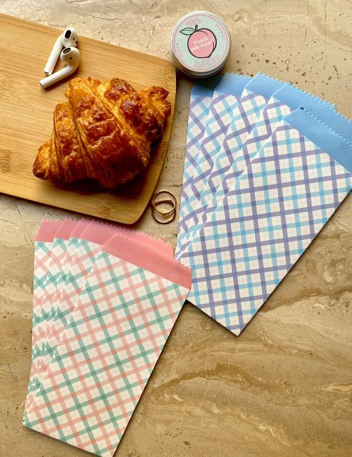 Vintage Envelopes - Colourful Gingham - Blue - Set of 5-Description: Vintage Envelopes never go out of style!They are a must have in your stationery collection. Can be used as a DIY tool, a greeting card cover, scrapbooking, invitations, gifting your loved ones, envelopes for letters & so much more.These colourful prints will surely put a smile on their face! Dimension: 19.5 cms x 9 cms Material: High - Quality paper Sold as a Set of 5.-Default Tittle-LemonadeIndia