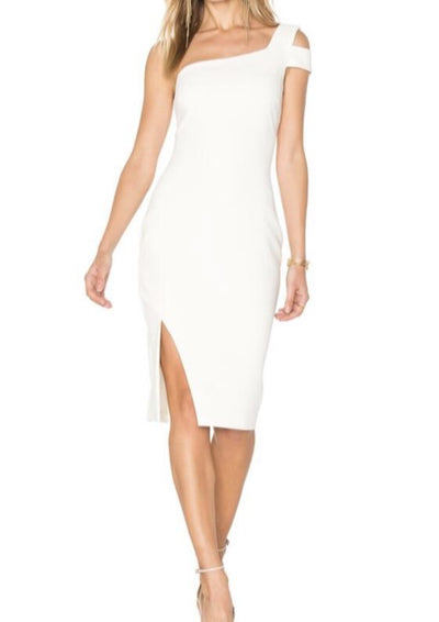 This one shoulder, asymmetrical dress is perfect for special occasions and events.
