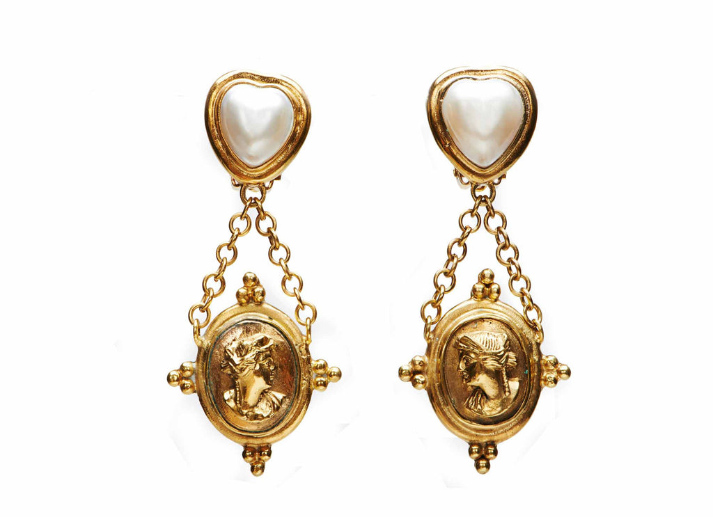 Case Cameo Earrings