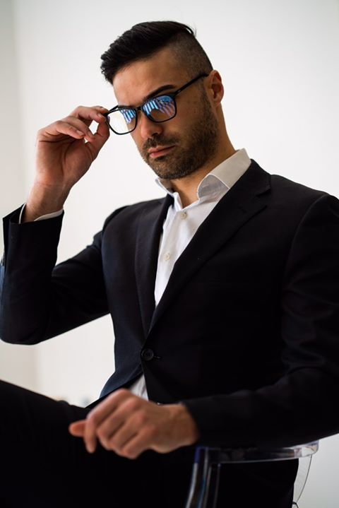 Male model wearing Black Kent blue light blocking glasses