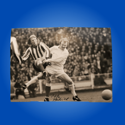 Micky Horswill vs Billy Bremner 1973 Signed A4 Print