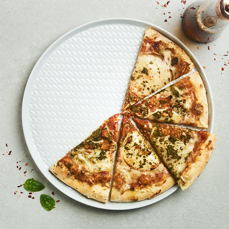 Mozzarella, Pesto & Sundried Tomato Pizza