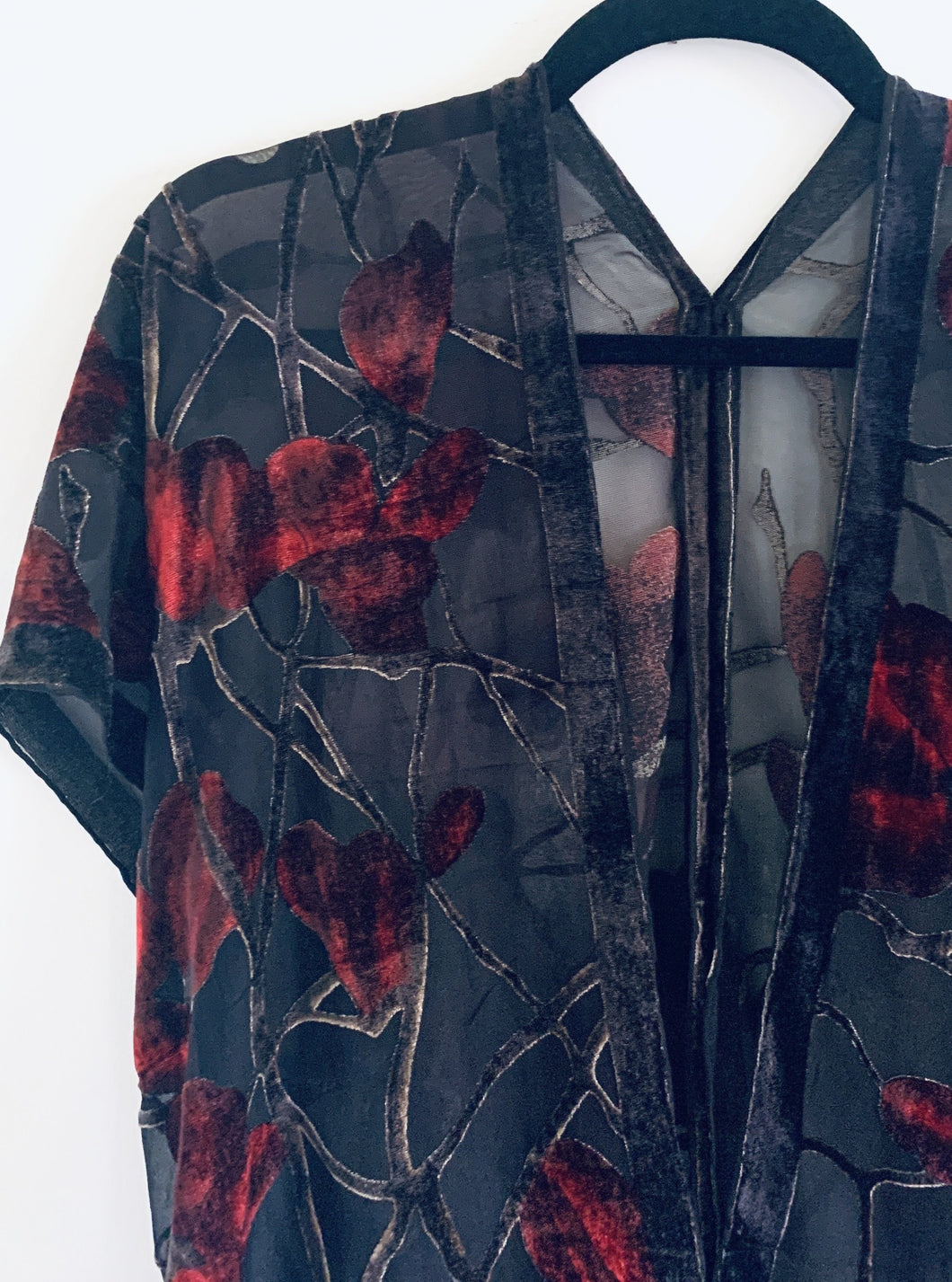 Black and Red Floral Velvet Burnout Slim Fit Kimono