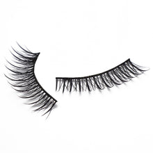 Load image into Gallery viewer, Esme (10) pairs per box - Model 21 Eyelashes - Model 21 Lashes