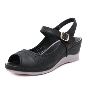 Hot selling buckle and wedge heel comfortable sandals