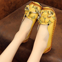 Load image into Gallery viewer, 馃槏馃槏Leather single shoes for ladies with comfortable soft soles vintage handmade flower shoes for ladies