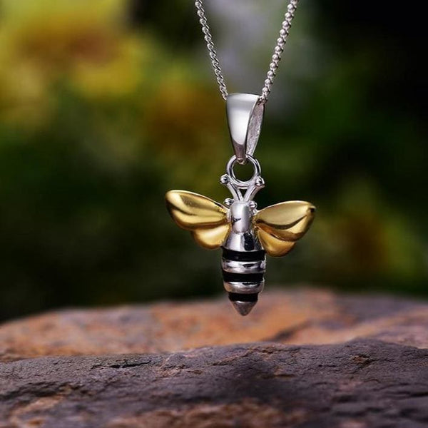 Insect Cottagecore Pendant - Ene