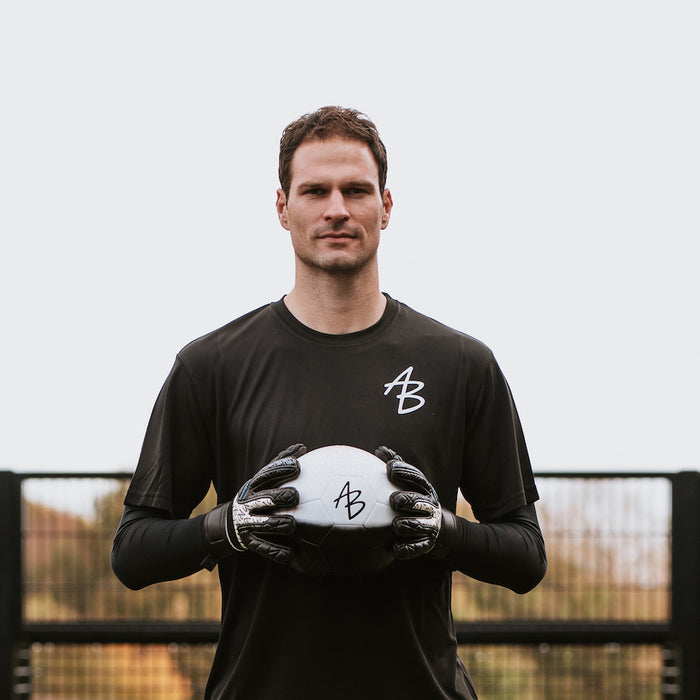 The future of goalkeeping - Asmir Begovic & Sensible Soccer