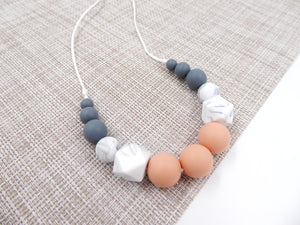 Silicone Teething Necklace Peach, marble
