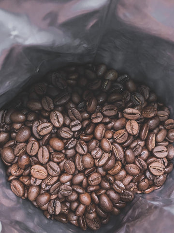 We are talking specifically about the use of natural coffee beans. According to one of the authors of the study, it is not yet known which chemicals in coffee can affect life extension. It is already clear that moderate consumption of coffee could be included in a balanced diet and a healthy lifestyle.
