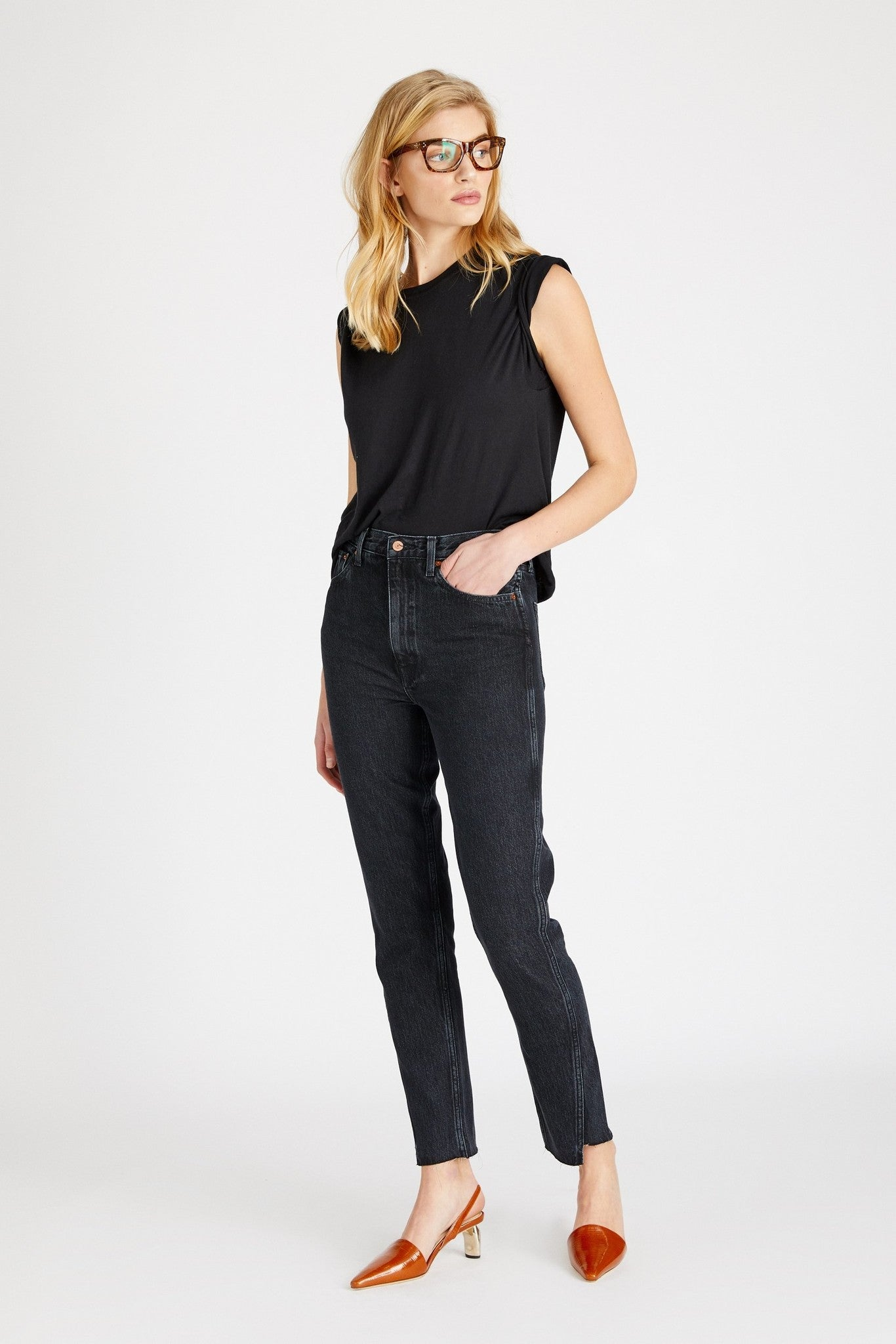 FINN TWIST SEAM STRAIGHT LEG JEAN