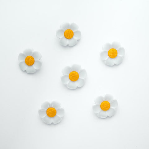 Daisy Flower Buttons - 18mm - pack of 10