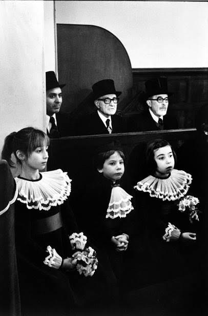 Martine Franck - Wedding in the Synagogue of Notre Dame de Nazareth Street, 1977