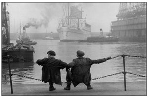 Jean Marquis - Two dockers on the quay, Liverpool, Great Britain, 1955