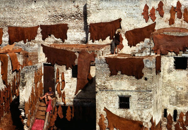Bruno Barbey - Tanners of Sidi Moussa. Fez, Morocco. Guerniz district 1984