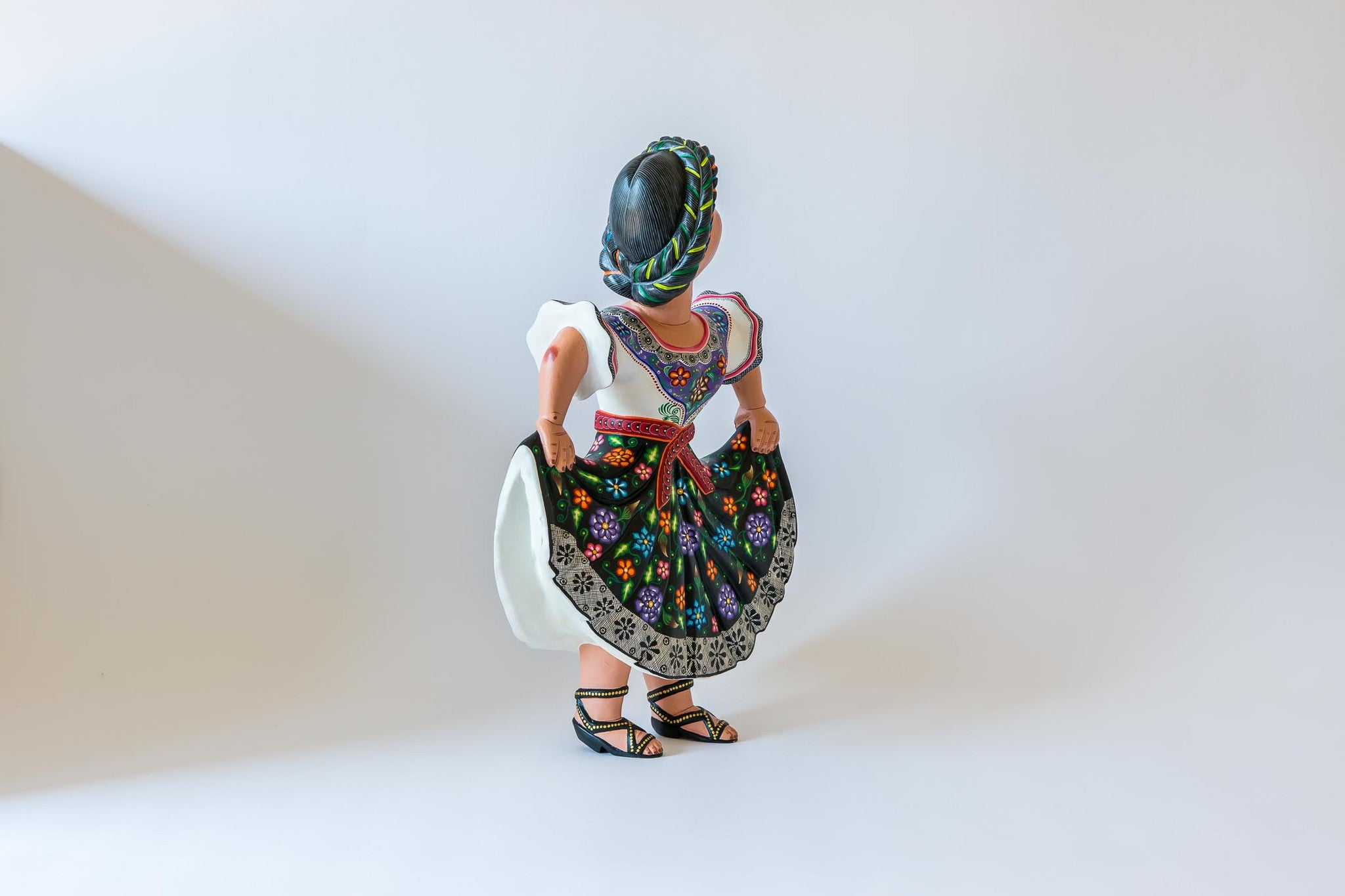 Oaxacan wood carving Agustin Cruz Tinoco Dancing Women View four