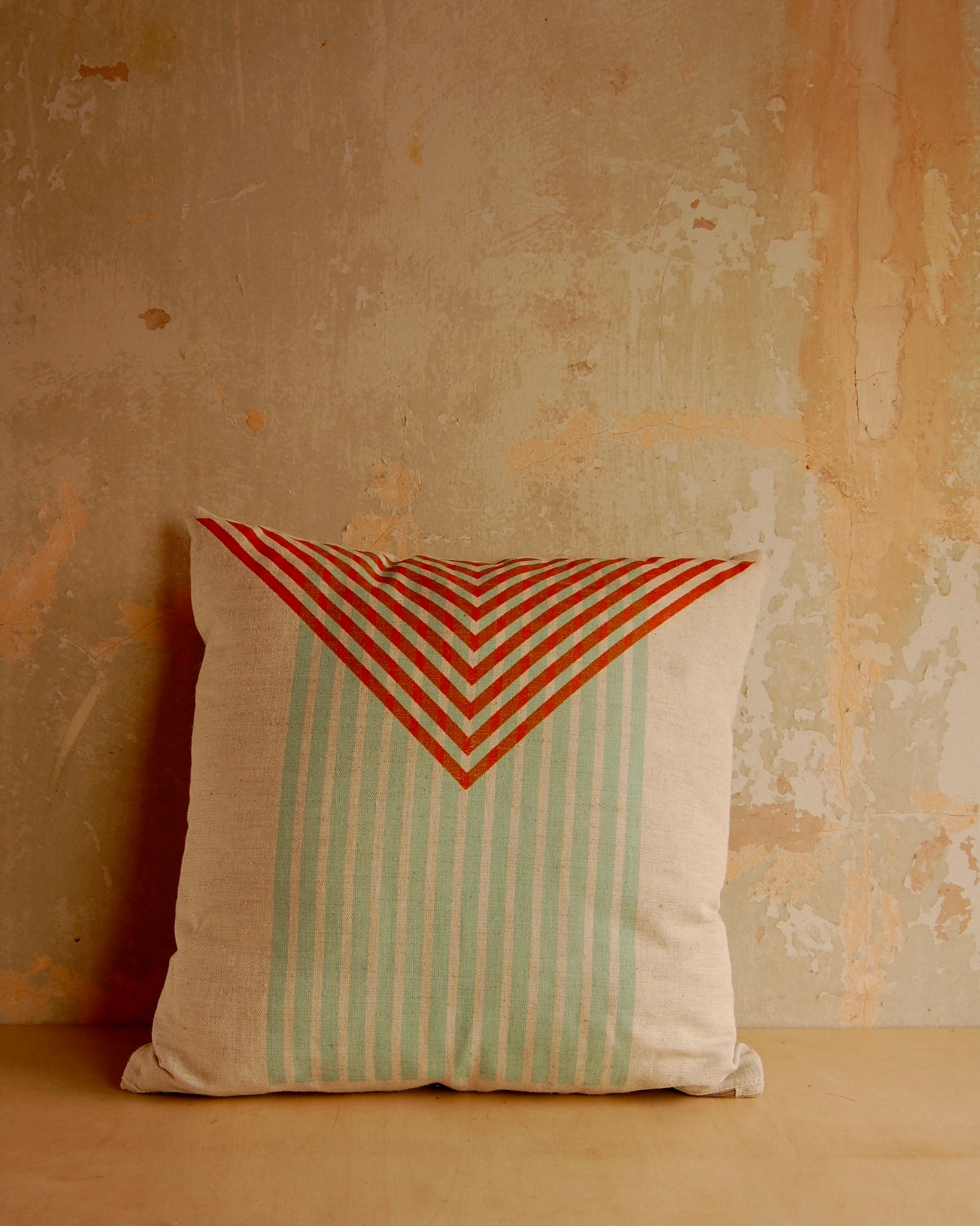 Triangle stripe print cushion