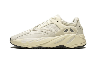 Baskets Yeezy Boost 700 Analog Adidas Kikikickz