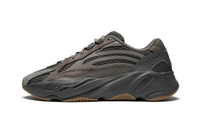 Yeezy Boost 700 V2 Geode Sneakers Adidas homme femme