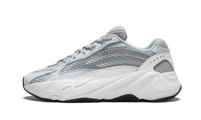Baskets Yeezy Boost 700 V2 Static Adidas Kikikickz