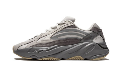 Yeezy Boost 700 V2 Tephra Sneakers Adidas homme femme