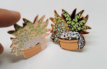 Load image into Gallery viewer, Succulent Gecko Pin