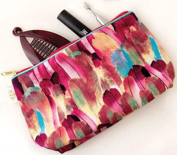 Fancy Feathers Sponge Bag