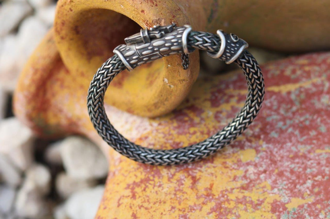 Round Weave Bracelet With Dagger Lock