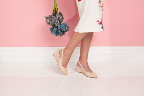 Slingback Low Wedge in Nude patent Leather