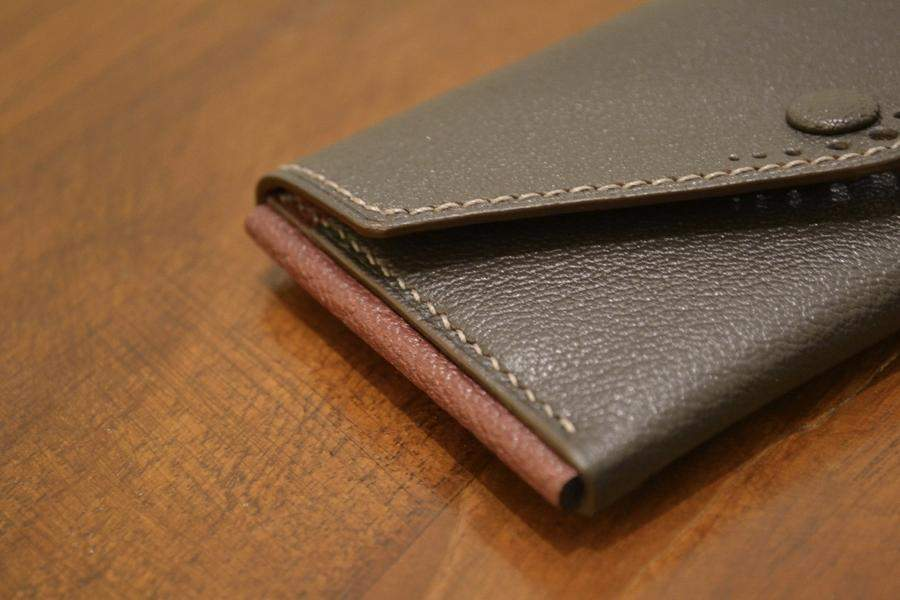 Buttoned Card Case - Olive Chèvre - onlybrown