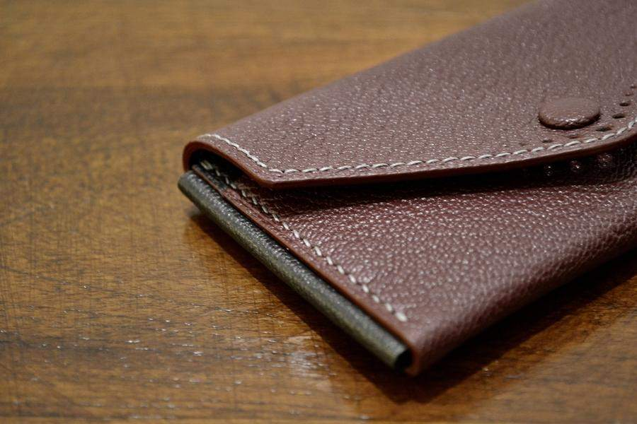 Buttoned Card Case - Bordeaux Chèvre