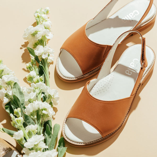 tan leather sandals for bunions