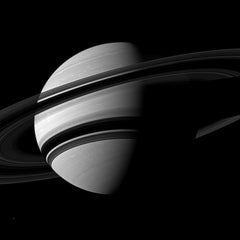 Saturn Black & White